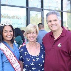 Miss Lakewood, Janice Hahn (Congress Woman), Jeff Wood (Mayor Lakewood)